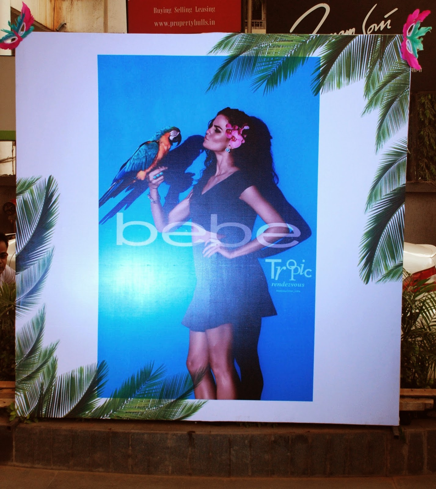 Bebe Tropic Rendezvous Event, Linking Road