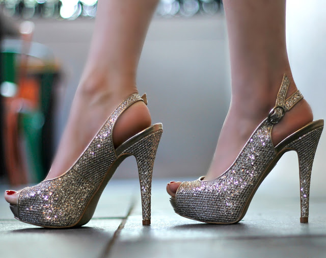 Aldo Heels, Glitter Heels, peep-toe heels, gold heels party shoes
