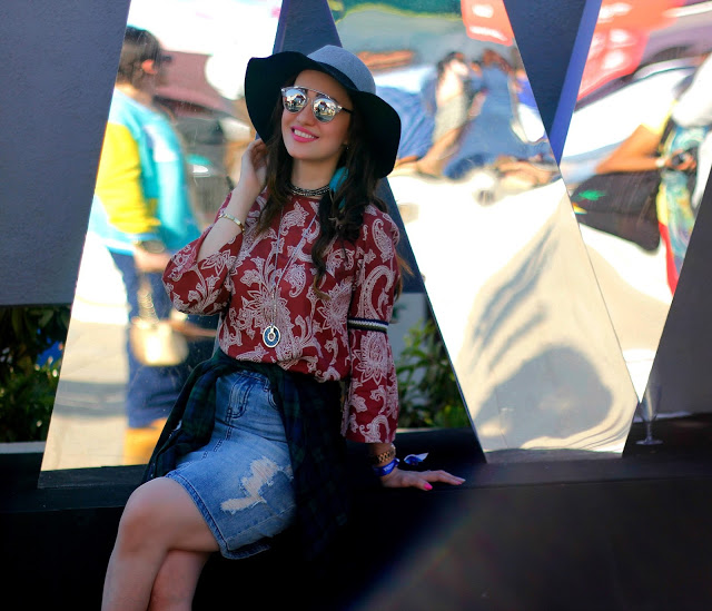 Vero Moda Sula Fest'16, Vero Moda Paisley Bell-sleeve top, ripped denim skirt, plaid shirt, boho-chic, 70's fashion,music festival look, floppy hat