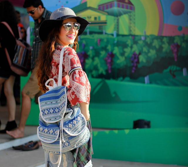Vero Moda Sula Fest'16, Vero Moda Paisley Bell-sley bell-sleeve top, back-pack,plaid shirt, boho-chic, 70's fashion,music festival look, floppy hat, mirrored sunglasses