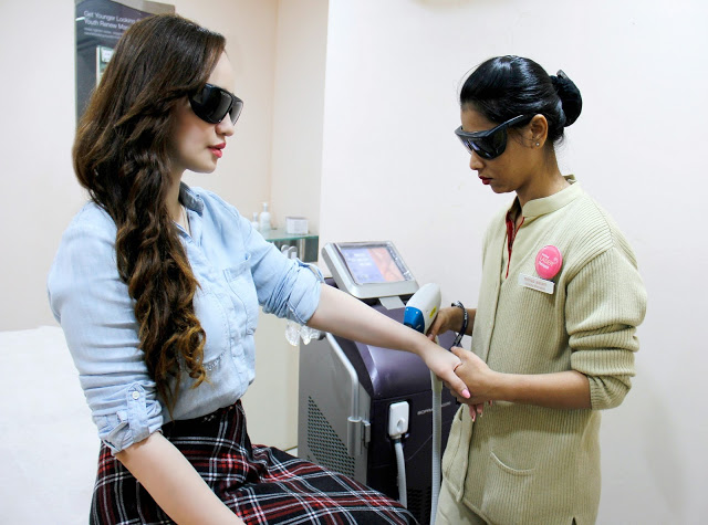 Laser Hair Removal at Kaya Skin Clinic, hand held laser probe
