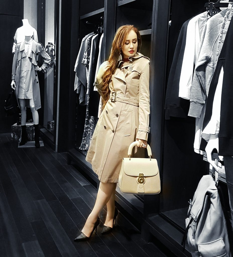 Burberry, Trench Coat, Palladium Mall Mumbai, Assured Rewards